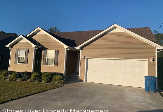 273 John Mark Ct, Manchester, TN