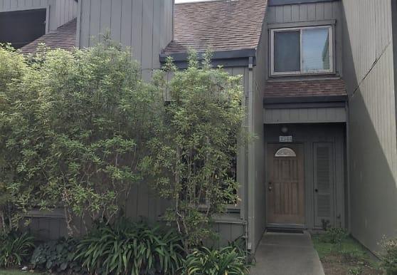3544 Magnolia Dr, Alameda, CA