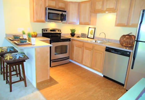 Pinnacle Pointe Apartments, Crestview, FL
