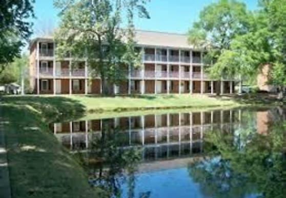 150 E University Dr, Auburn, AL
