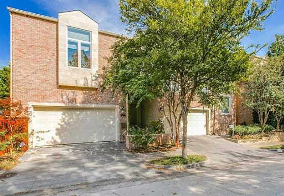 3722 Gillespie St, Dallas, TX