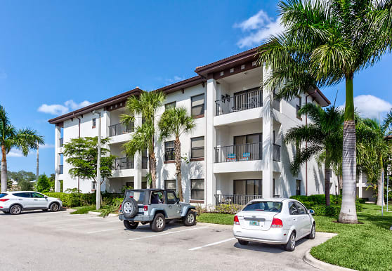 Channelside Contemporary Living Apartments, Fort Myers, FL