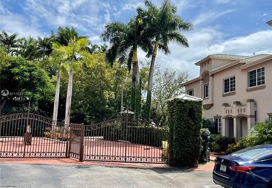 15750 SW 92nd Ave 24C, Palmetto Bay, FL