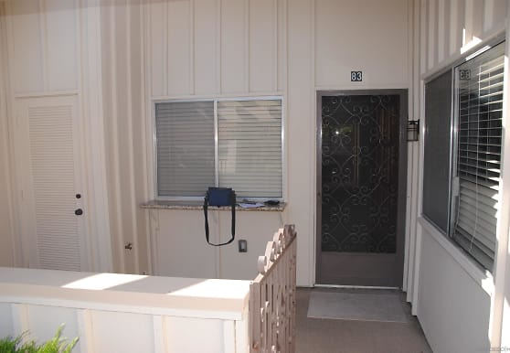 17464 Plaza Cerado 83, San Diego, CA