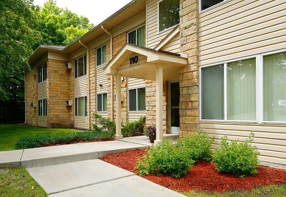 Birchwood East Apartments, Virginia, MN