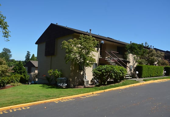 10609 Glen Acres Dr S, Burien, WA