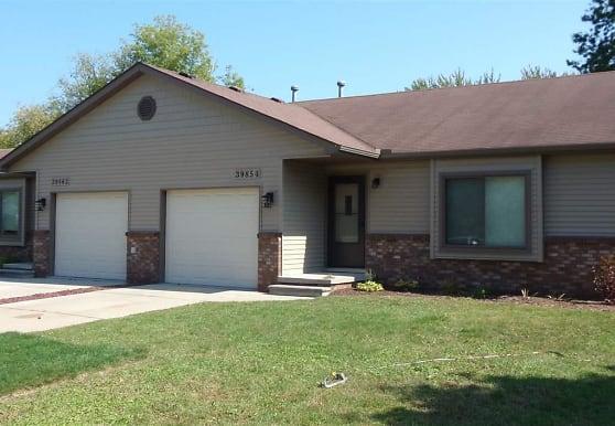 39862 Bridgeview St, Harrison Township, MI