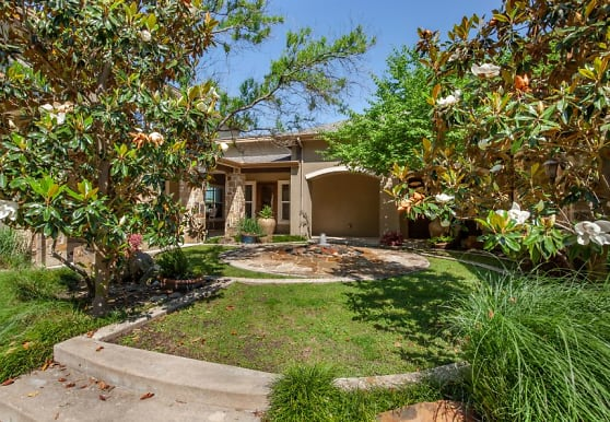 Bella Ruscello Luxury Apartment Homes, Duncanville, TX