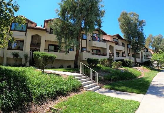 18197 Sundowner Way 807, Santa Clarita, CA