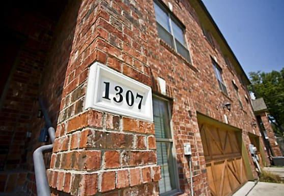 1307 Halcyon Pl, Dallas, TX