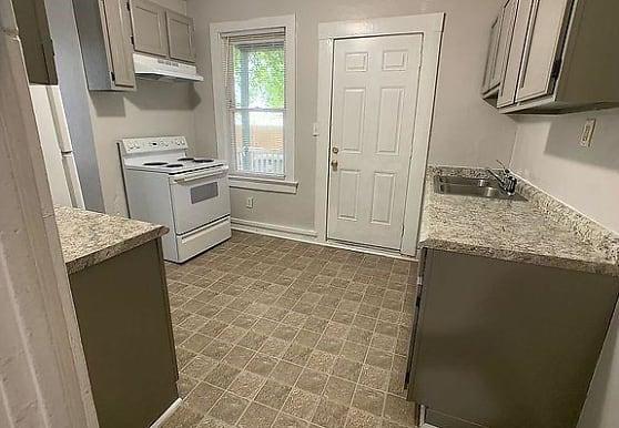 819 W 35th St, Norfolk, VA