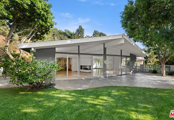 9767 Beth Pl, Beverly Hills, CA