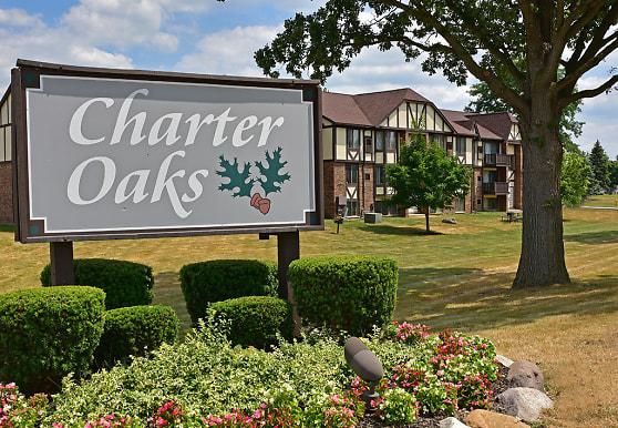 Charter Oaks Apartments, Davison, MI