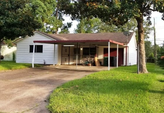 7406 Saunders Rd, Houston, TX