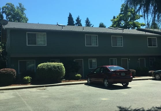 521 Pine St, Rogue River, OR