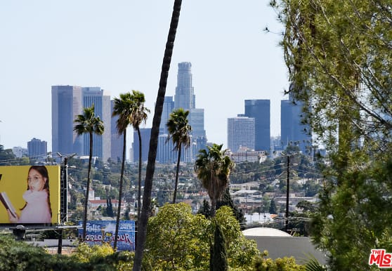 2016 Rodney Dr 203, Los Angeles, CA