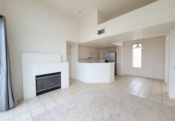 1281 Cabrillo Ave 406, Torrance, CA