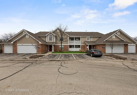 1640 Buttonwood Cir 3111, Schaumburg, IL