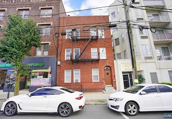 322 Anderson Ave 4, Fairview, NJ