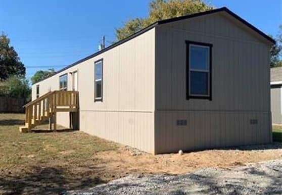 1509 Partridge Ct, Azle, TX