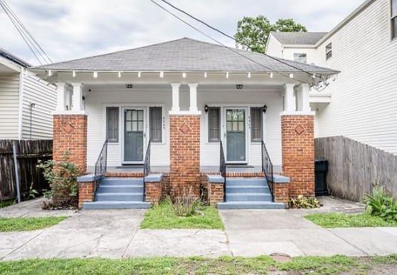 8323 Jeannette St, New Orleans, LA