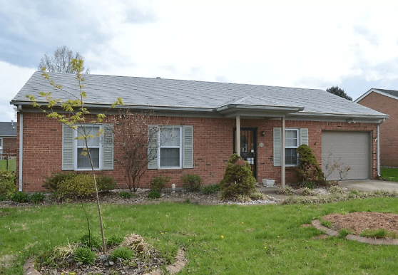 516 Country Club Dr, New Albany, IN