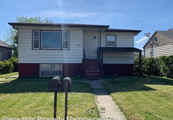 823 Haines Ave, Rapid City, SD