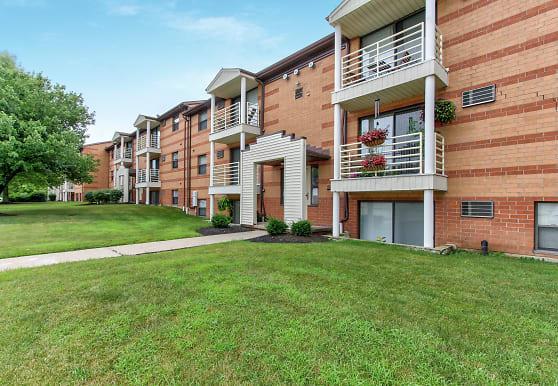 Deer Creek Apartments, North Royalton, OH