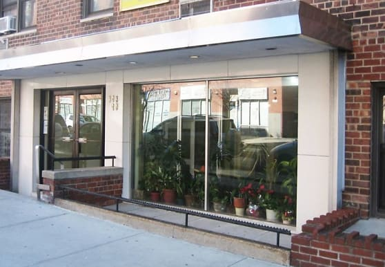 143-40 Roosevelt Ave, Queens, NY