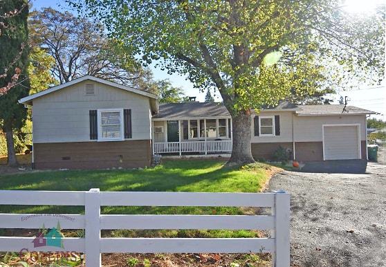 10057 West Dr, Grass Valley, CA