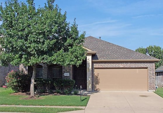 9200 Liberty Crossing Dr, Fort Worth, TX