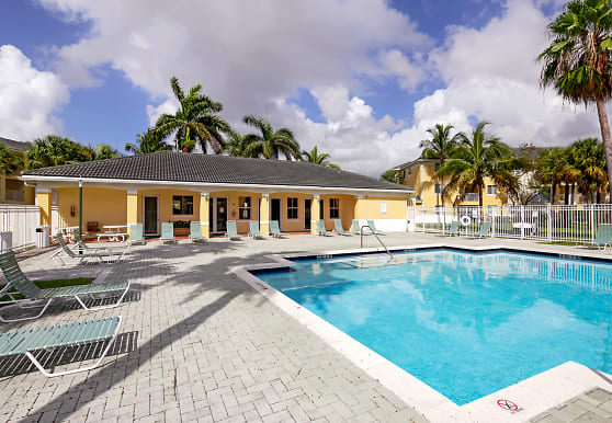 Vista Verde At Deerwood, Miami, FL