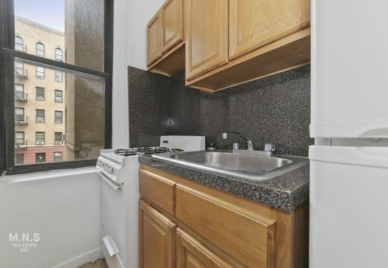98 Thayer St 6-A, New York, NY