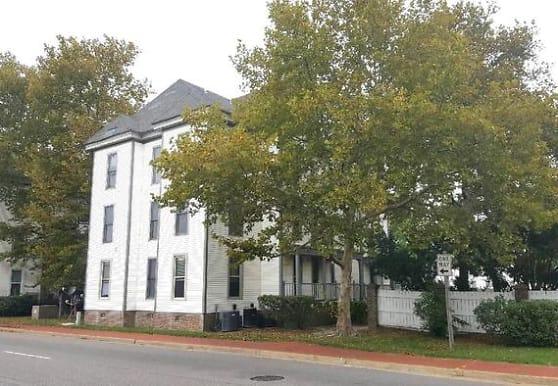 957 Green St Apartments - Portsmouth, VA 23704