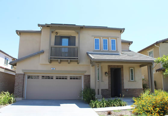 688 Cold Springs Ct, Camarillo, CA