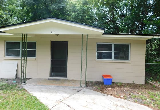 711 NW 19th Ave, Gainesville, FL