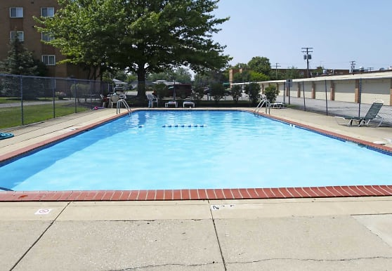 Mayland Towers Apartments, Mayfield Heights, OH