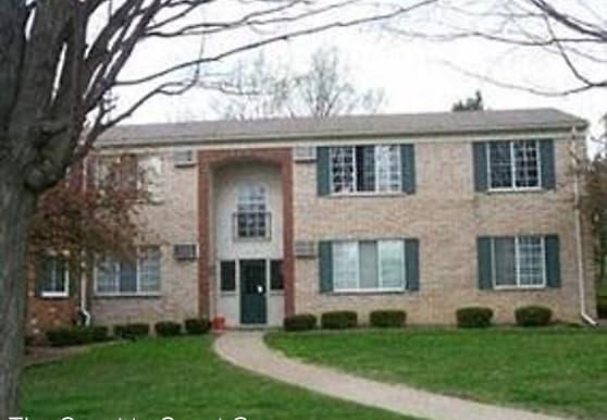 405 Miller Ave, Rochester, MI