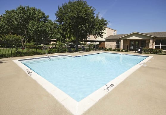 The Park On Rosemeade, Dallas, TX