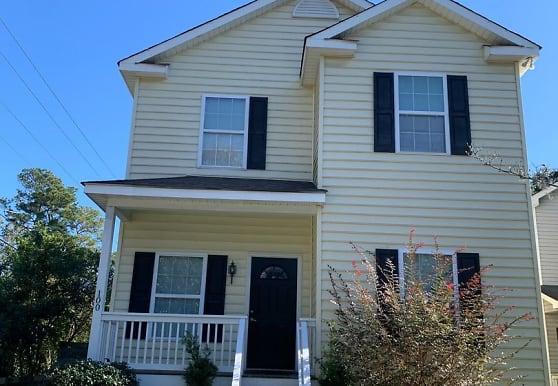 1241 Sumner Ave, North Charleston, SC