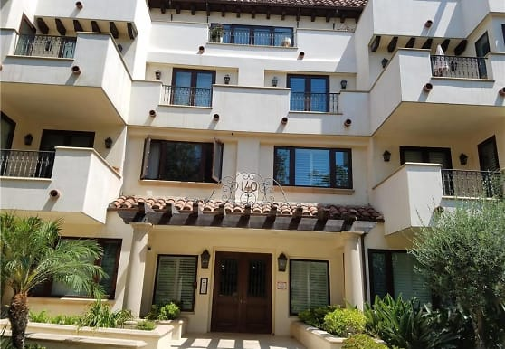 140 S Oakhurst Dr 203, Beverly Hills, CA