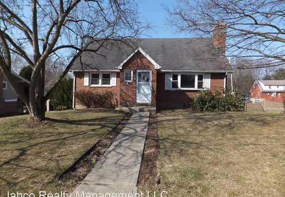 181 Fairlawn Ave, State College, PA
