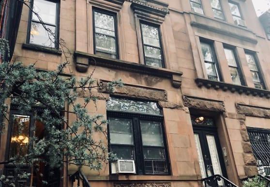 668 10th St, Brooklyn, NY
