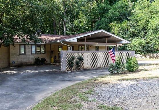 924 Castle Falls Dr NE, Atlanta, GA