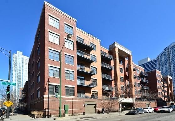 560 W Fulton St, Chicago, IL