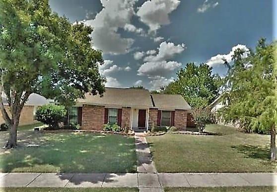 2703 E Wentwood Dr, Carrollton, TX