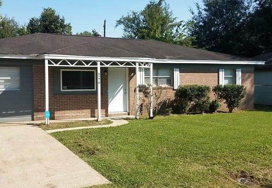9270 McLean St, Beaumont, TX