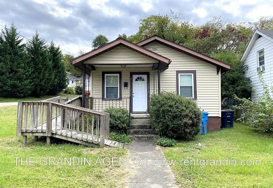 1234 Buena Vista Blvd SE, Roanoke, VA