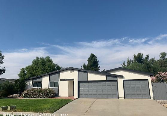 215 Dryden St, Thousand Oaks, CA