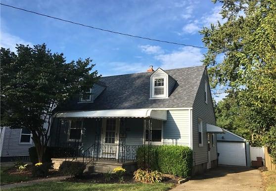 1646 Oakwood Ave, Akron, OH